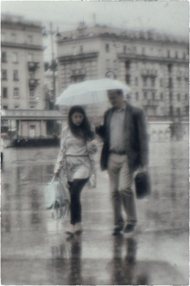 monoclemania-rain-1.jpg