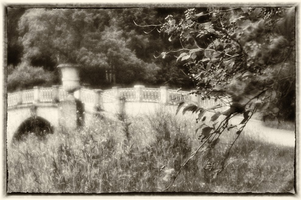 monoclemania-pavlovsk-park-sculpture-4.jpg