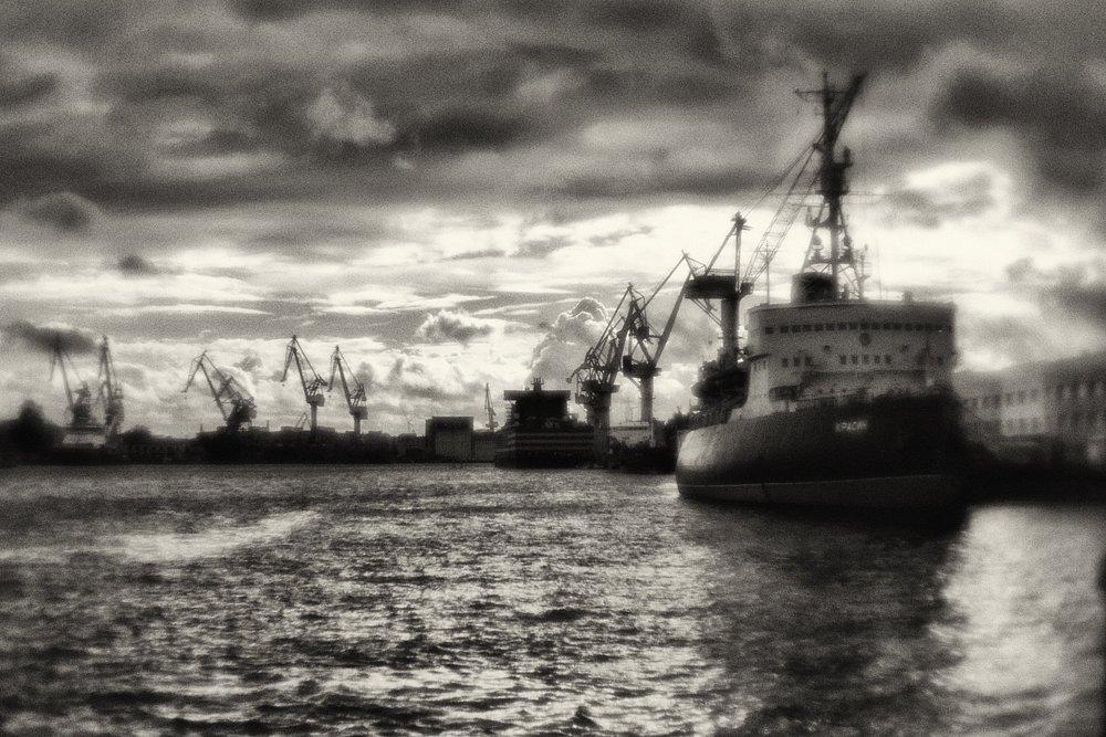 Icebreaker-Krasin-1.jpg